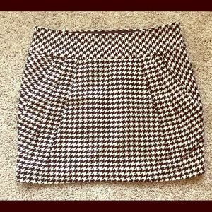 CLUB MONACO Black & White Checked Skirt, Size 4